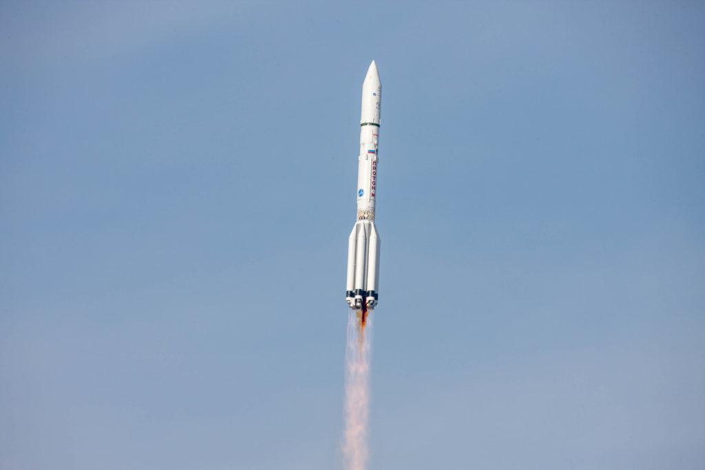 EUTELSAT 5 West B / MEV-1 Launch